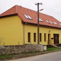 Kralice nad Oslavou - přestavba domu na 4 b.j